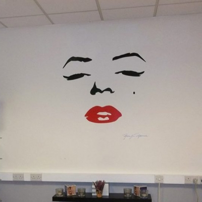 Marilyn Monroe face wall decal sticker