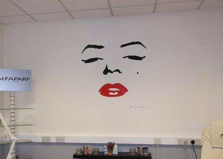 Marilyn Monroe face wall decal sticker