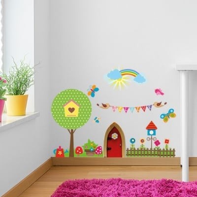 Add some wonder and make your fairy feel at home with this beautiful Fairy Door Wall Sticker. In just seconds, you'll be able to transform your fairies home.