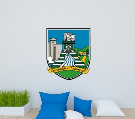 This fantastic Limerick Crest Wall Decal would look great in any limerick supports home.